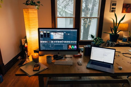 picture of video editor targeting vertical market
